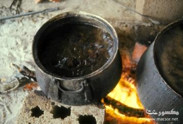 12 The pots boil